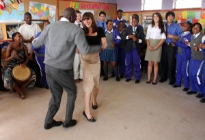 Leah Nascimento dances with a Fezeka student