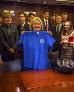 Melanne Verveer with a MMS shirt